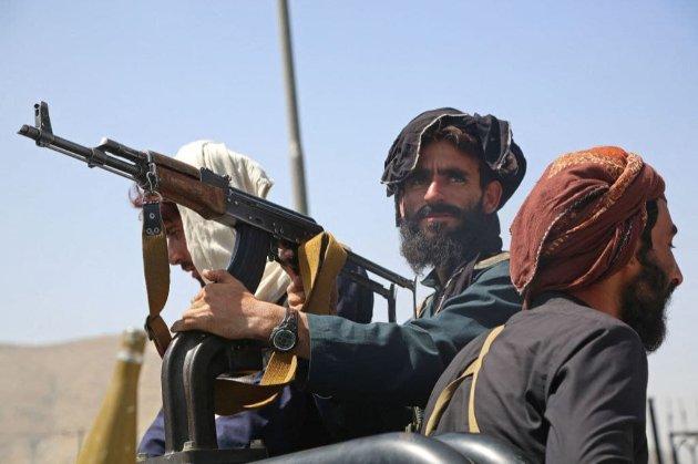 «Талибан» запретил афганцам вывозить из страны доллары и предметы старины