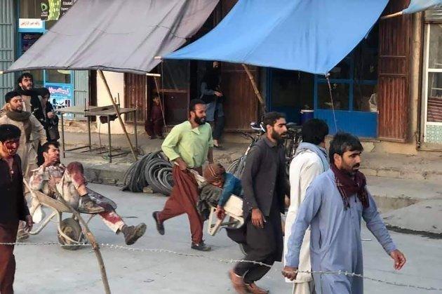 По меньшей мере 13 погибших и более 70 раненых. В аэропорту Кабула прогремели два взрыва
