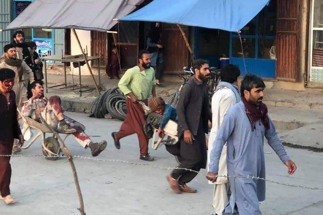 Щонайменше 13 загиблих та понад 70 поранених. У аеропорту Кабула прогриміло два вибухи