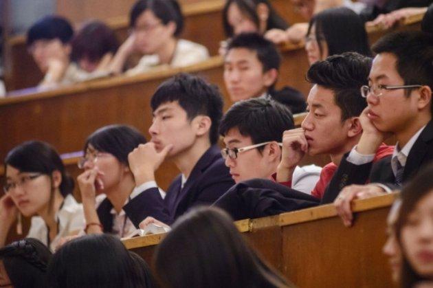 Університет у Китаї, ймовірно, збирає списки ЛГБТ+-студентів, щоб вивчити їхній душевний стан та політичні погляди
