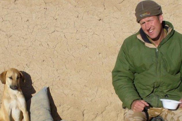 Колишній британський морпіх відмовився від евакуації з Кабула без своїх 200 тварин