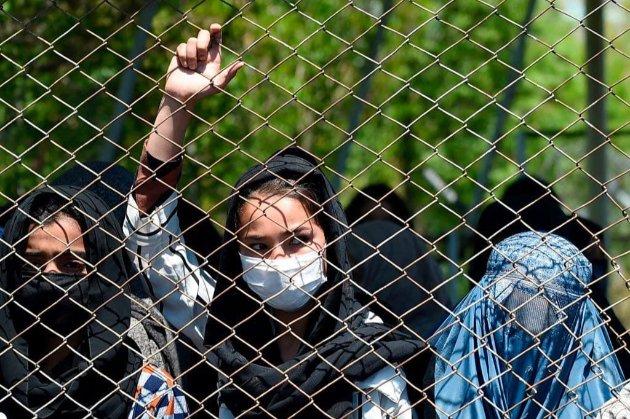 «Талібан» обіцяє дозволити жінкам ходити в університети, але окремо від чоловіків