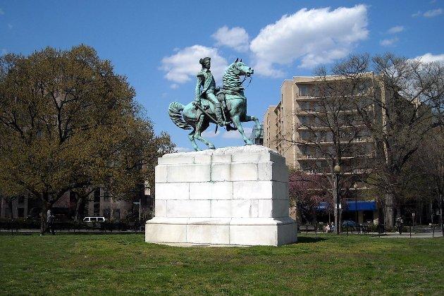 У столиці США рекомендували знести пам'ятники Вашингтону і Колумбу