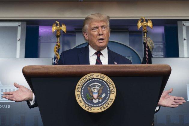 Трамп відмовляється засудити Росію і переводить стрілки на Китай