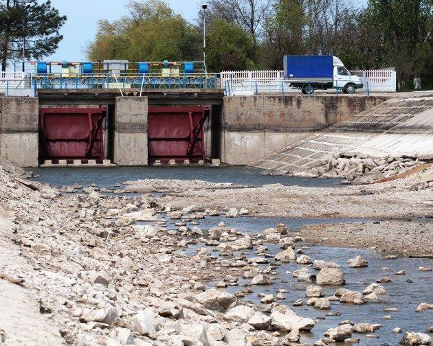 Води нема і не буде! Крим вводить режим жорсткої економії і скаржиться на Україну