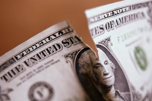 У найбільших банках світу сумарно відмили близько $2 трлн. Їхні акції тепер стрімко падають