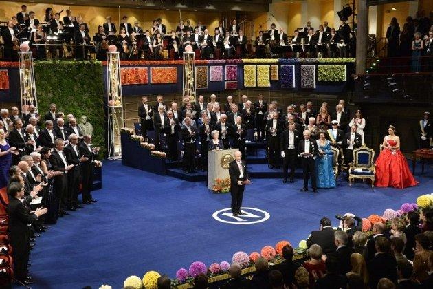 Нобелівську церемонію скасували. Призи лауреатам передадуть через посольства
