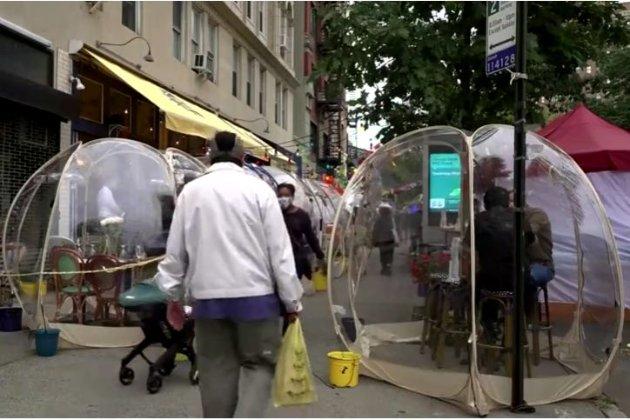 Антиепідемічні пластикові бульбашки. Нью-йоркська кав'ярня запровадила новинку