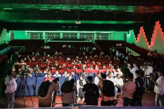 В Сомали прошел первый за 30 лет публичный кинопоказ. Из-за гражданской войны кинотеатры здесь не работали с 1991 года