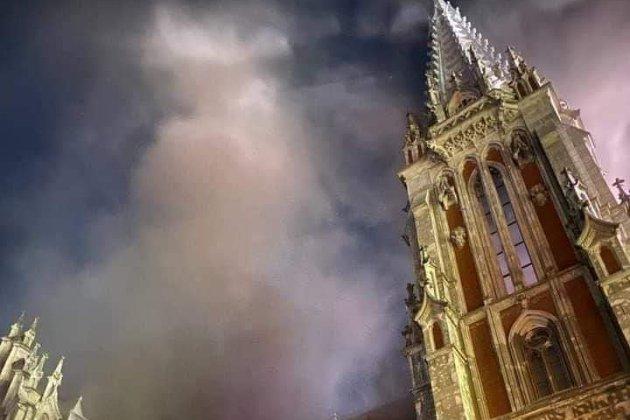 У Києві горів костел Святого Миколая. Вогонь знищив унікальний орган (фото, відео)