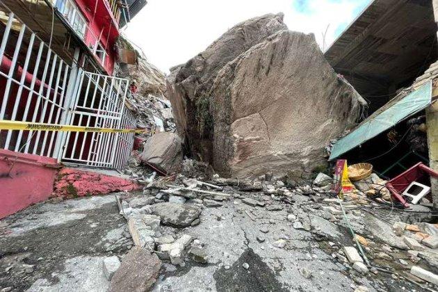 У Мексиці величезна скеля впала на житловий квартал. Щонайменше одна людина загинула (відео)