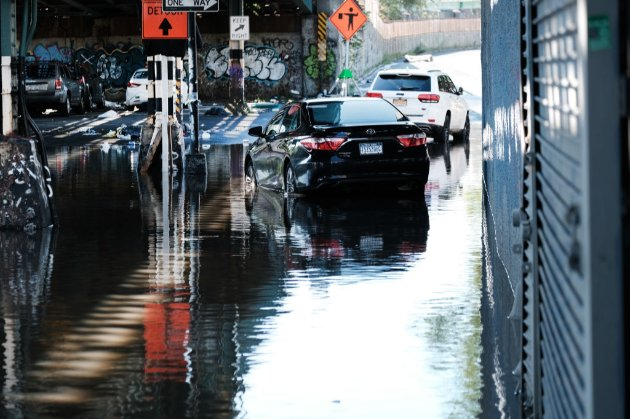 Жертвами урагану «Іда» на північному сході США стали щонайменше вісім людей. Існує загроза торнадо