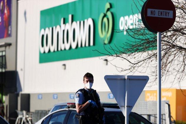 Супермаркети у Новій Зеландії вилучили з продажу ножі та ножиці після теракту в Окленді