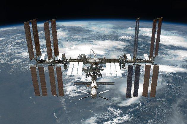 NASA у лютому 2022 року відправить до МКС перший туристичний екіпаж