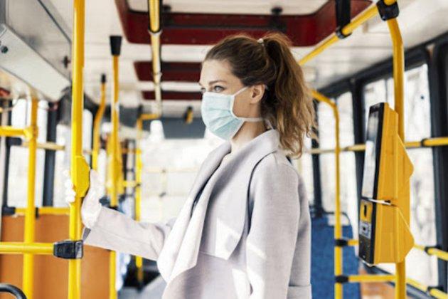 Вакцинація водіїв та масковий режим для пасажирів. Шмигаль розповів, як в Україні працюватиме транспорт під час карантину