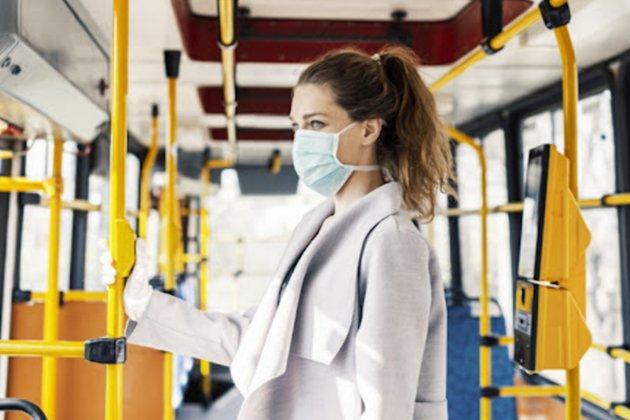 Вакцинация водителей и масочный режим для пассажиров. Шмыгаль рассказал, как в Украине будет работать транспорт во время карантина
