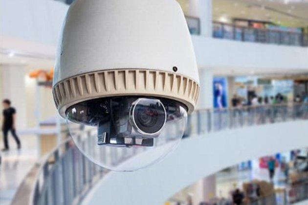 У торговельних центрах України хочуть встановити спецкамери. Вони спостерігатимуть за дотриманням карантину