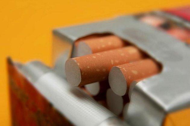 Податки зростуть на 20%. Наступного року в Україні подорожчають сигарети та стіки