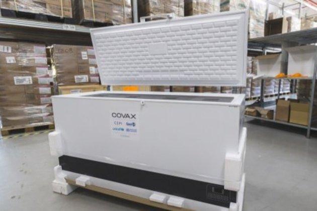 Завдяки програмі COVAX. Україна отримала три ультрахолодові морозильники для зберігання вакцини Pfizer