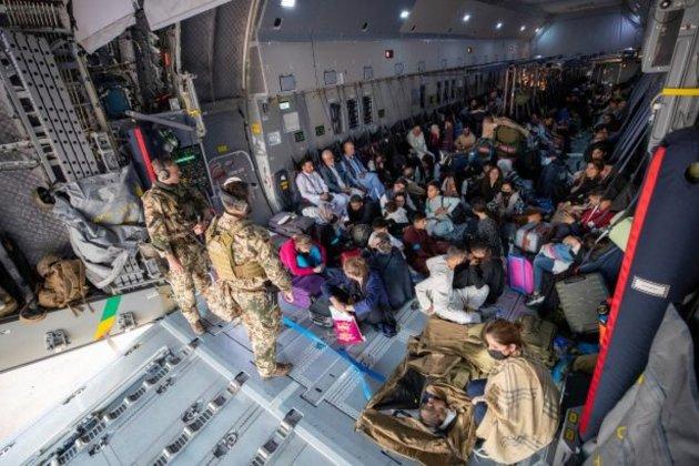 Вивезти усіх. Держдеп США просять дозволити приватні рейси в Афганістан для евакуації американців