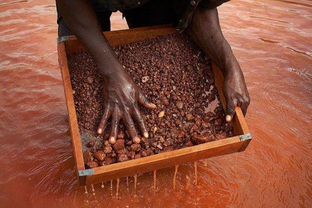 У Конго заявили, що витік токсинів з рудника в Анголі вбив 12 їхніх громадян