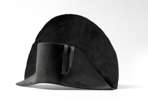 Шляпу Наполеона Бонапарта с его ДНК продадут на аукционе в Лондоне