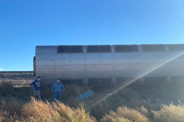 У США з рейок зійшов пасажирський потяг. Є загиблі та пів сотні постраждалих (фото)