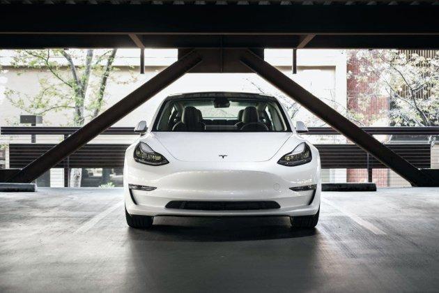 Завод Tesla в Шанхае планирует выпустить 300 тыс. машин, несмотря на глобальный дефицит чипов