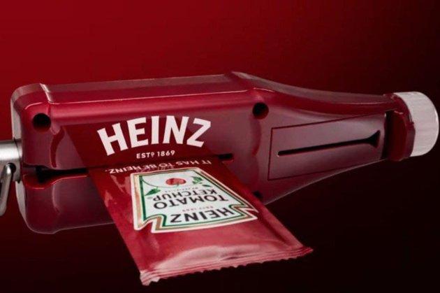 Не потерять ни капли. Heinz представила устройство, которое до конца выжимает упаковку соуса