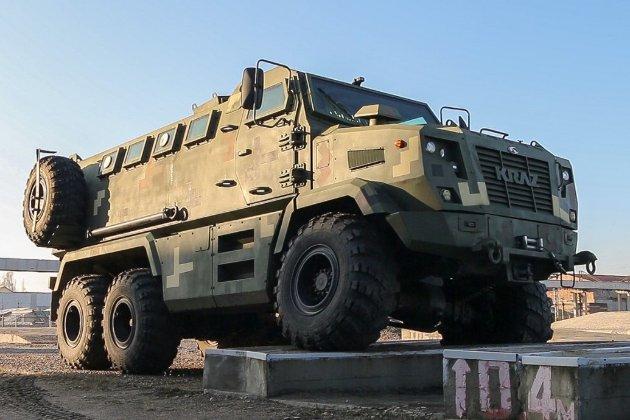 Міноборони хоче відмовитися від військових вантажівок «АвтоКрАЗ» на користь іноземних