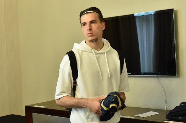 Коронавірус атакує збірну України. На гру з Францією лишився один воротар