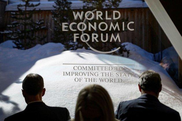 У Швейцаріі, але не в Давосі. Щорічний Всесвітній економічний форум перенесли