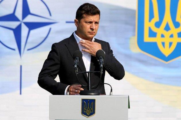 Верховний Суд зобов'язав Зеленського говорити українською під час виконання службових обов'язків