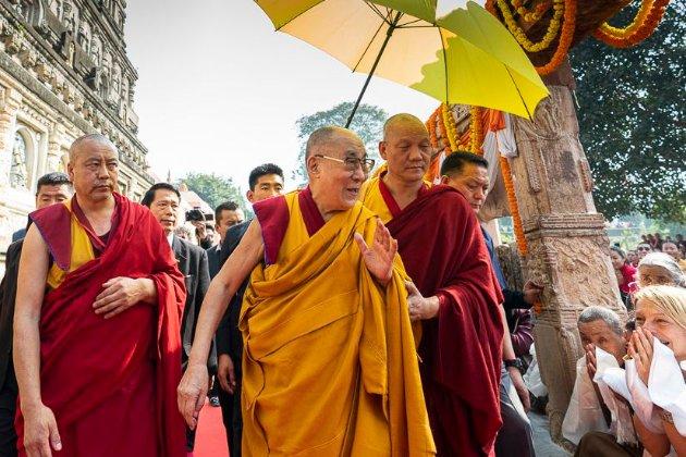 Далай-лама поспілкується з українцями в прямому ефірі. Усі охочі можуть поставити питання