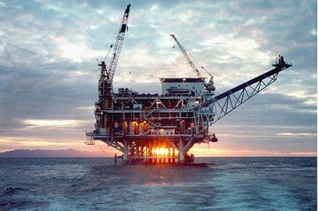 Нафта дешевшає, ОПЕК стурбована