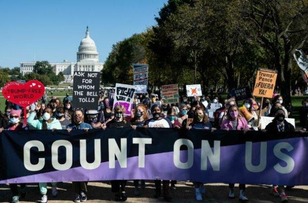 Жінки влаштували ходу проти Трампа у великих містах США