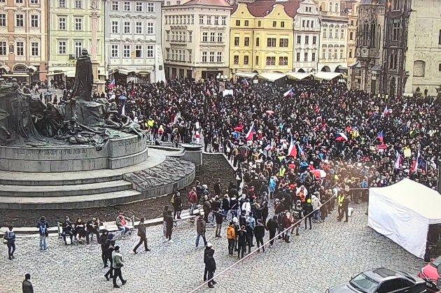 У Чехії — протести проти обмежень через COVID-19.У Празі затримали понад 150 осіб