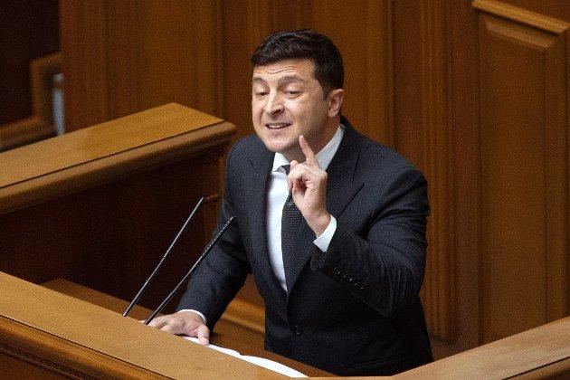 Похвальба досягненнями і критика антикорупційних органів. Що було в зверненні президента України