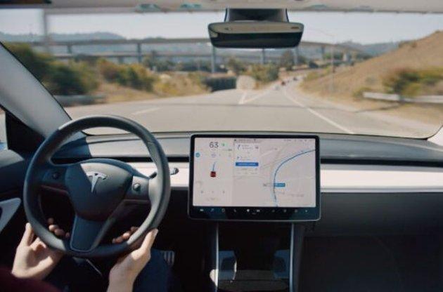 Маск обіцяє оновлення автопілота для автомобілів Tesla