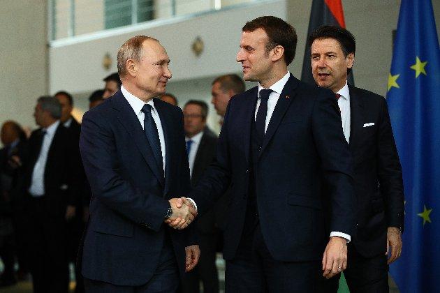 Макрон закликав Путіна допомогти побороти тероризм та нелегальну імміграцію (фото)