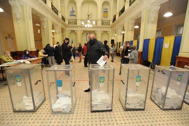 Харків, Дніпро, Одеса, Маріуполь, Львів: місцеві жителі змін не хочуть