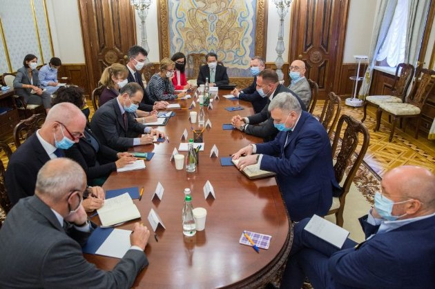 «Демократія в дії»: G7 привітала українців із реалізацією свого права голосу