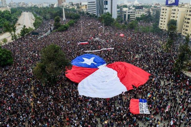 У Чилі проголосували більшістю голосів за скасування конституції епохи Піночета
