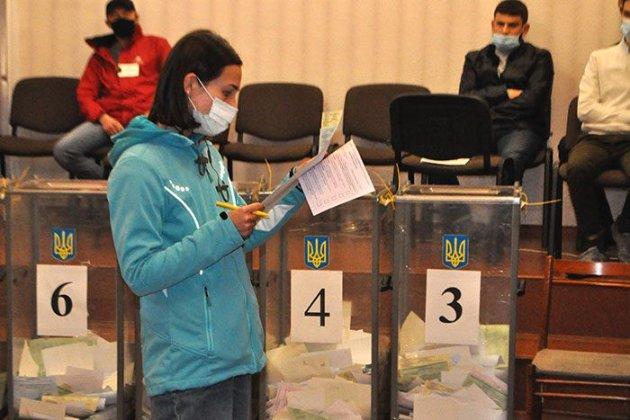 Вперше за роки війни переселенці отримали право голосувати на місцевих виборах