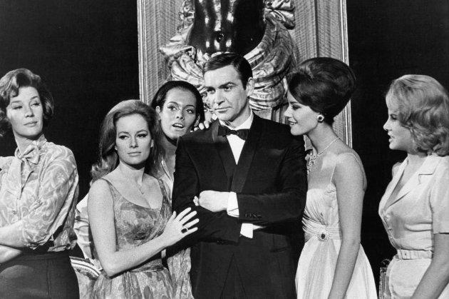«Бонд, Джеймс Бонд». Помер перший «агент 007» (архівні фото)