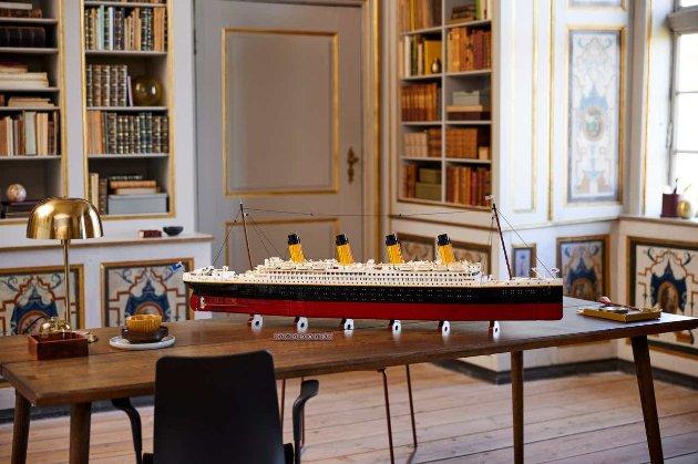Компанія Lego створила найбільший набір «Титанік» (фото)
