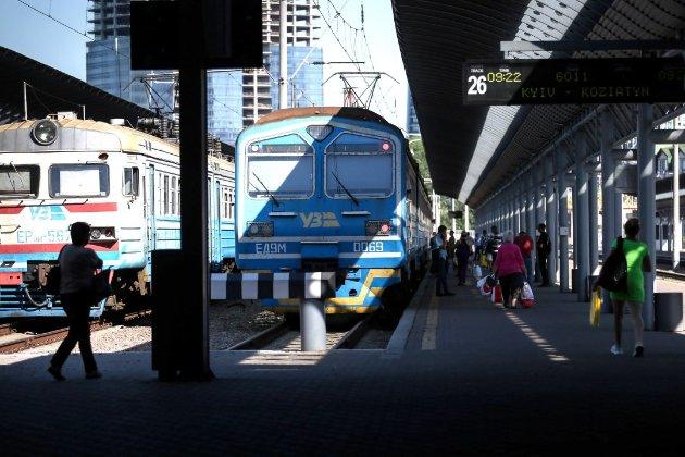 «Укрзалізниця» обладнає вокзали пунктами експрес-тестування на COVID-19