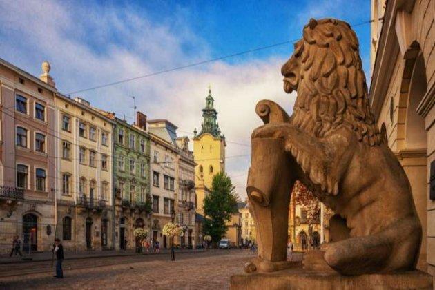 З 25 жовтня у Львівській області посилюють карантин для невакцинованих громадян