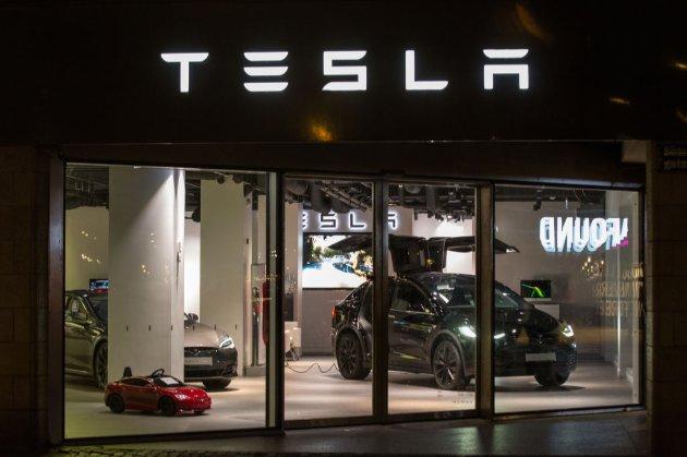 Перший електромобіль Tesla європейської збірки з'явиться вже у листопаді 2021 року