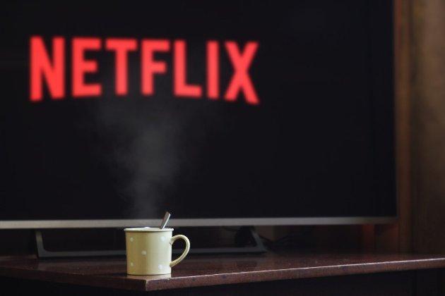 Netflix запустил украинскую версию и перевел популярные сериалы